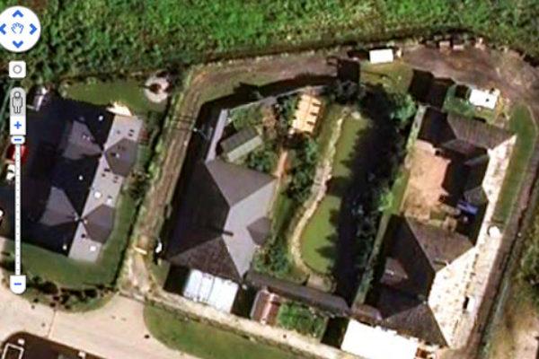 Kompleks reality show na Bielanach Wrocławskich; obraz satelitarny | Foto: Google