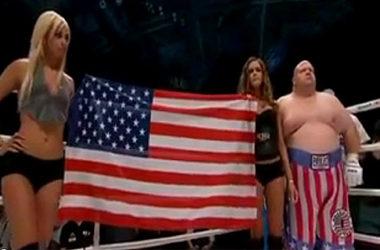 Przed walką bokserską Mateusz Krautwurst zaśpiewał hymn USA i... wywołał skandal | Foto: Polsat