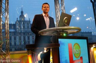 Krzysztof Ibisz jako prowadzący czwartą edycję reality show Bar | fot. GAZETA