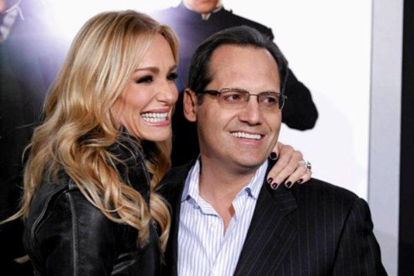 Russell z żoną Taylor podczas premiery filmu Green Hornet w Hollywood | fot. ASSOCIATED PRESS
