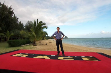 Phil Keoghan, prowadzący The Amazing Race | fot. CBS