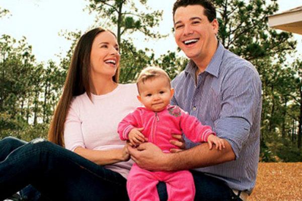 Rob Mariano i Amber Brkich z córeczką Lucią Rose | fot. Google