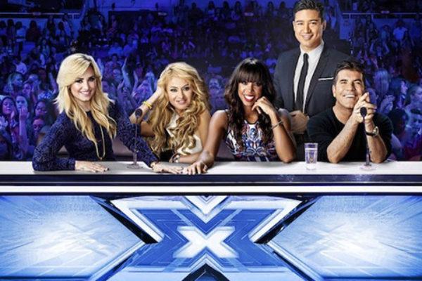 Prowadzący i jury trzeciej amerykańskiej edycji The X Factor | fot. Jethro Nededog