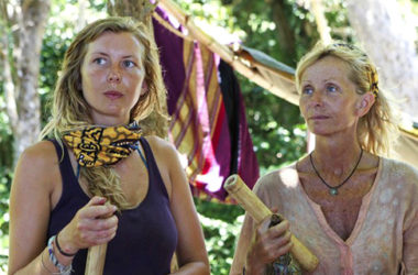 Katie Collins i Tina Wesson w Survivor: Blood vs Water   fot. CBS