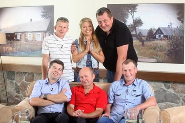 "Uczestnicy programu ""Rolnik szuka żony"" | fot. TVP"