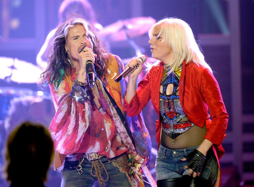 "Jax w finale ""American Idol"" w duecie ze Stevenem Tylerem z Aerosmith | fot. Getty Images"