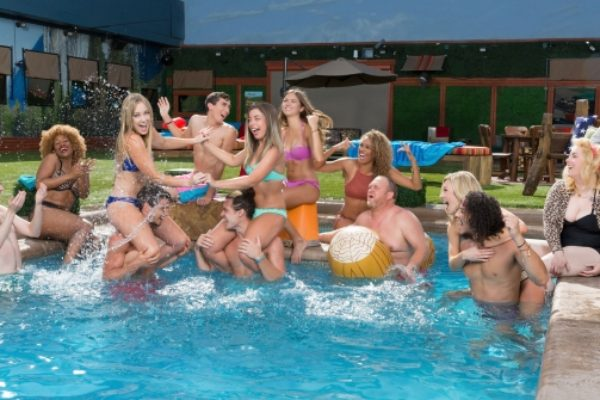 """Uczestnicy """"Big Brother: Over The Top""""   fot. CBS"""