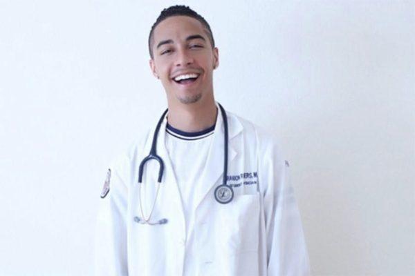 Dr Brandon Rogers | fot. Instagram